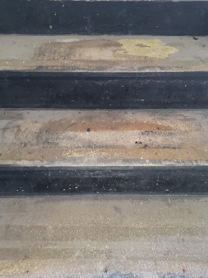 Woodbury Garage Floor Coating stairs_0000_Layer 2